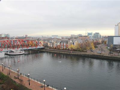 NV Building, Salford Quays - 2 Bed Apartment